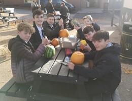 Yr9 pumpkin carving 11