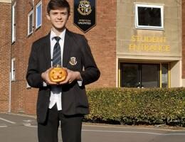 Yr9 pumpkin carving 2