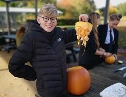 Yr9 pumpkin carving 4